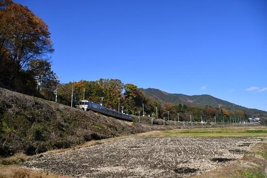 2020年11月8日撮影 飯田線 544M 313系1700番台 B152編成 紅葉と 4