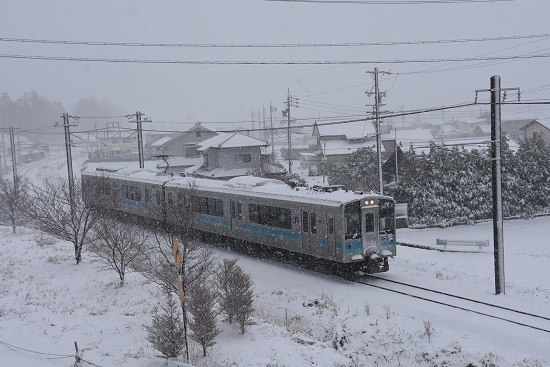 2020年3月26日撮影 辰野線 153M E127系 雪が降る中