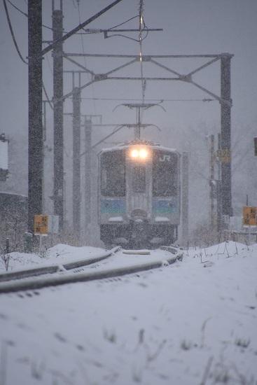 2020年3月29日撮影 雪が降る辰野線 155M E127系