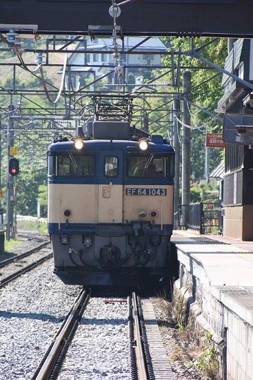2020年5月30日撮影 篠ノ井線8467レ 姨捨駅に停車するEF64-1043号機