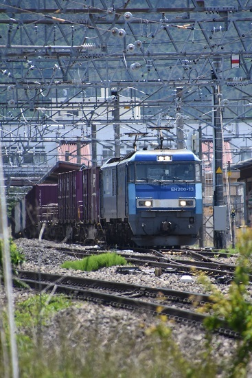 2020年5月30日撮影 東線貨物2083レ 塩尻駅3番線を通過するEH200-13号機