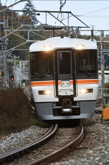 2020年11月15日撮影 時又駅にて373系 F5編成 回送 その3