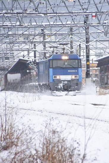 2020年3月29日撮影 東線貨物2083レ EH200-4号機 雪を掻き分けて