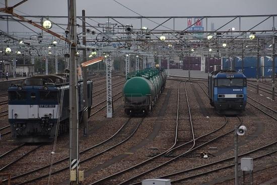 2020年6月6日撮影 早朝の南松本にてEF64-1017号機とEH200-3号機