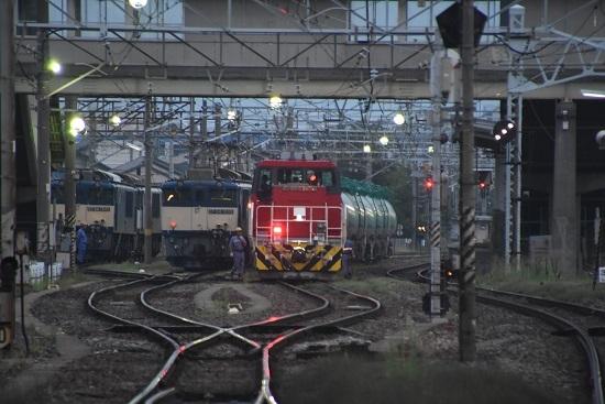 2020年8月8日撮影 南松本にてHD300とEF64の並び