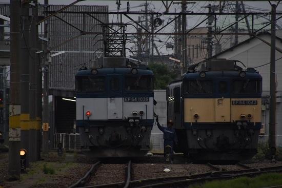 2020年6月6日撮影 南松本にて 篠ノ井線8467レ EF64-1039号機 無線機渡し