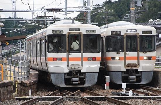 2020年9月26日撮影 飯田線 沢渡駅 313系1700番台 B153編成と214M 313系