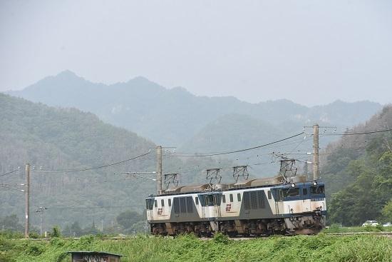 2020年8月8日撮影 篠ノ井線8467レ EF64更新色重連 坂北カーブ