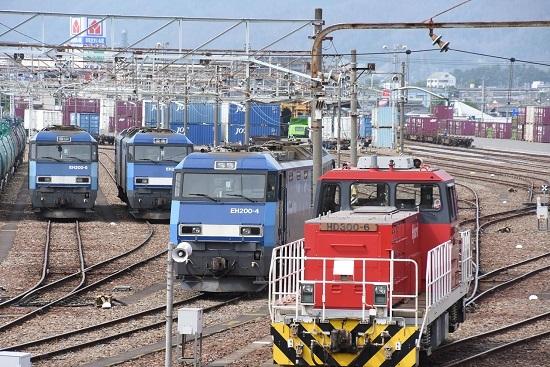 2020年6月6日撮影 南松本にて EH200-9号機 4号機とHD300-6号機