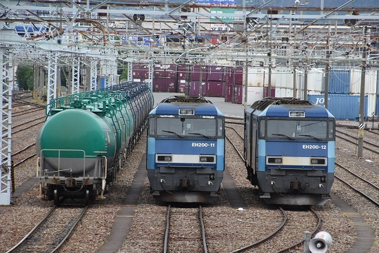 2020年6月14日撮影 南松本にてEH200-11号機と12号機