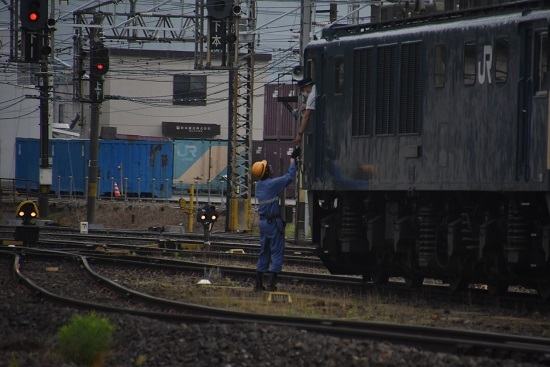2020年6月20日撮影 南松本にて篠ノ井線8467レ EF64重単 無線機返却