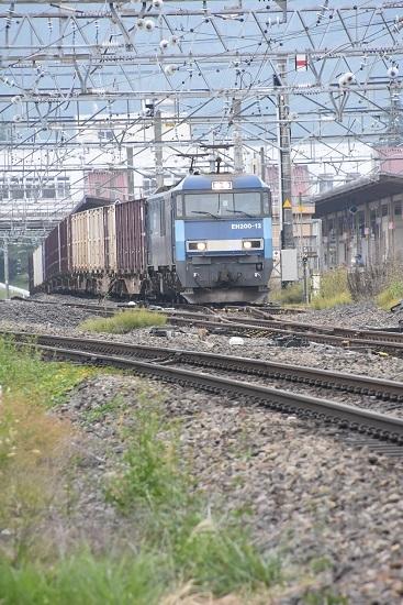 2020年10月3日撮影 東線貨物2083レ EH200-12号機 塩尻駅3番線