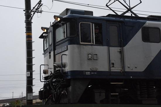 2020年10月8日撮影 西線貨物6088レ 運転士さんがこちらを見る
