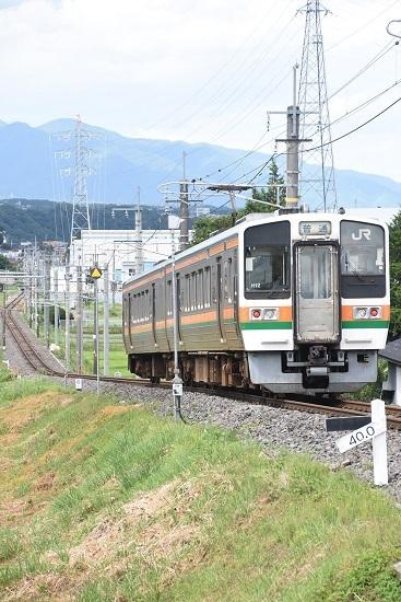 2020年8月10日撮影 飯田線 223M 213系を40‰を駆け下りるところ