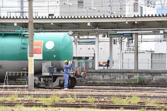 2020年6月20日撮影 篠ノ井駅にて 坂城貨物5774レ 機回し 連結合図