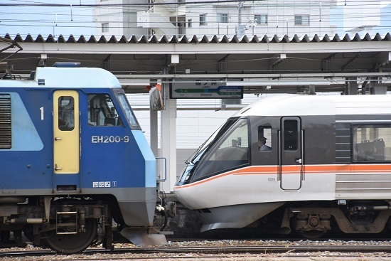 2020年6月20日撮影 篠ノ井駅にてEH200と383系WVしなの