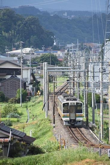 2020年8月10日撮影 飯田線は40‰の坂を駆け下りた213系 回送を後撃ち