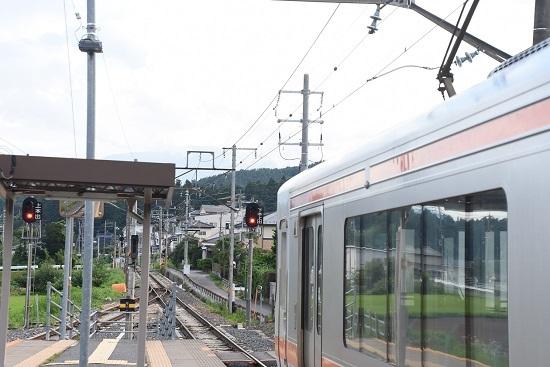 2020年8月8日撮影 飯田線は伊那新町駅にて313系1700番台回送折り返し 赤信号