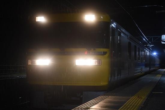 2020年10月8日撮影 飯田線は北殿駅にてキヤ95 DR2編成 運転席側から