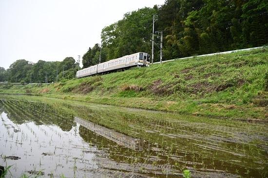 2020年5月17日撮影 飯田線 2201M 213系 快速 水鏡 青文字