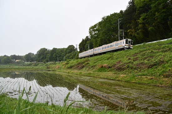 2020年5月17日撮影 飯田線 213系 回送 水鏡