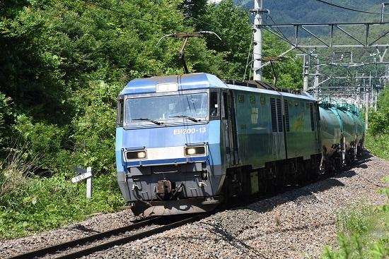 2020年6月20日撮影 篠ノ井線2084レ EH200-13号機 手前まで引き寄せて