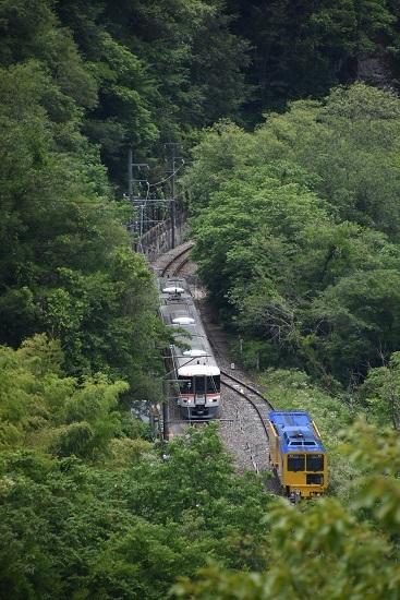 2020年6月21日撮影 飯田線 そらさんぽ天竜峡より 千代駅を行く 21M 373系 WV伊那路1号