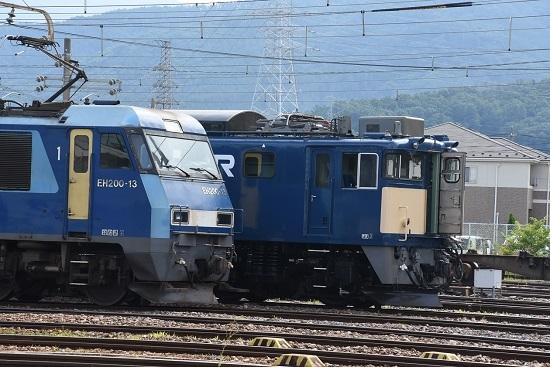 2020年8月12日撮影 南松本にてEF64-1049号機の貫通扉が開く