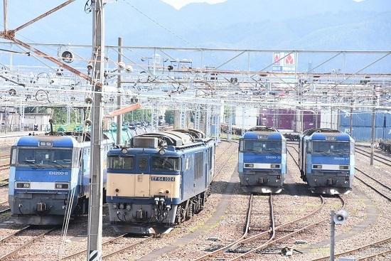 2020年8月13日撮影 南松本にてEH200とEF64の並び