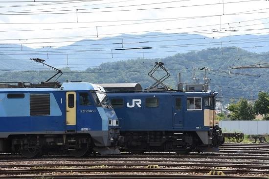 2020年8月13日撮影 南松本にてEF64-1024号機とEH200-8号機の並び