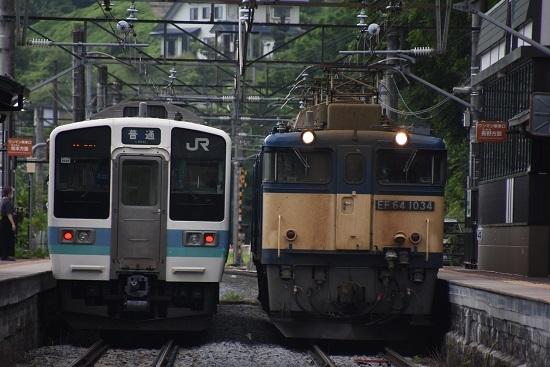 2020年6月27日撮影 篠ノ井線8467レ 姨捨駅にて156M 211系との並び