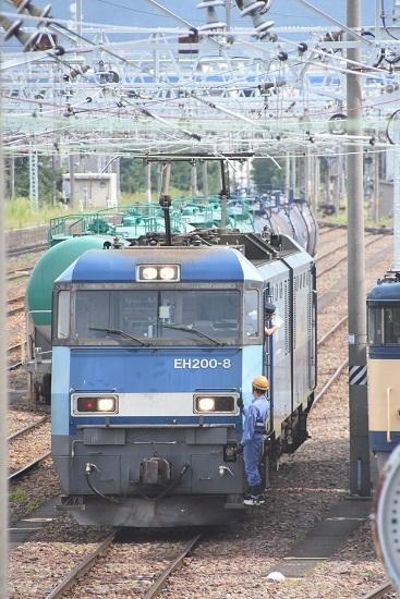 2020年8月13日撮影 南松本にて西線貨物2080レ機回し 運転士さんの挨拶