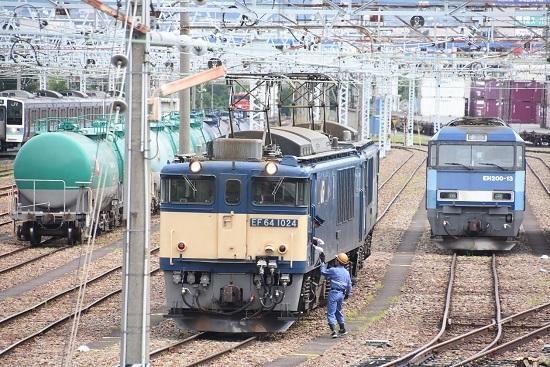 2020年8月13日撮影 南松本にて 西線貨物8084レ 機回し 無線機渡し