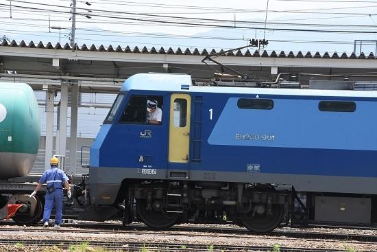2020年6月27日 篠ノ井駅にて坂城貨物5774レ EH200-901号機 連結