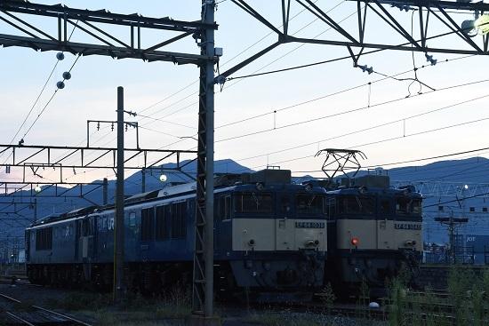2020年8月15日撮影 南松本にて  EF64-1038号機と1049号機