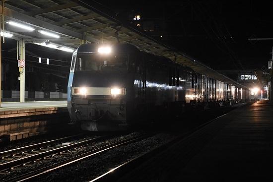 2020年10月20日撮影 東線貨物89レ EH200-14号機と辰野線E127系