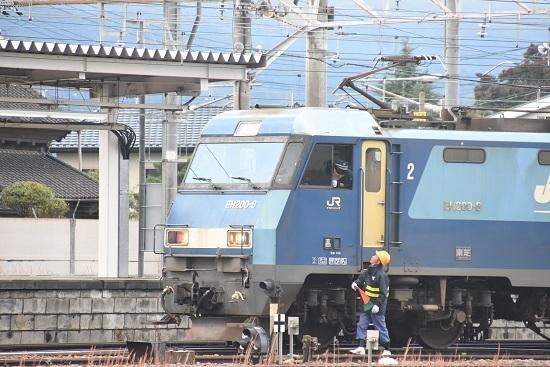 2020年10月24日撮影 篠ノ井駅にて坂城貨物84レ 機回し開始