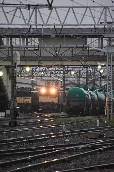 2020年7月4日撮影 南松本にて篠ノ井線8467レ 仕業準備にてライト点灯