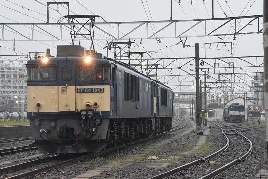 2020年7月4日撮影 南松本にて 篠ノ井線8467レ 発車前のEF64-1043号機