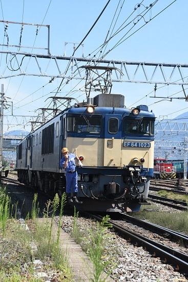 2020年8月15日撮影 南松本にて 西線貨物8084レ 機回し 下り1番から発車