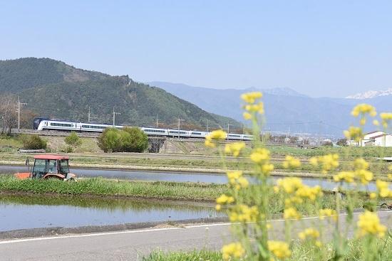 2020年5月2日撮影 みどり湖にて菜の花と 16M E353系あずさ16号