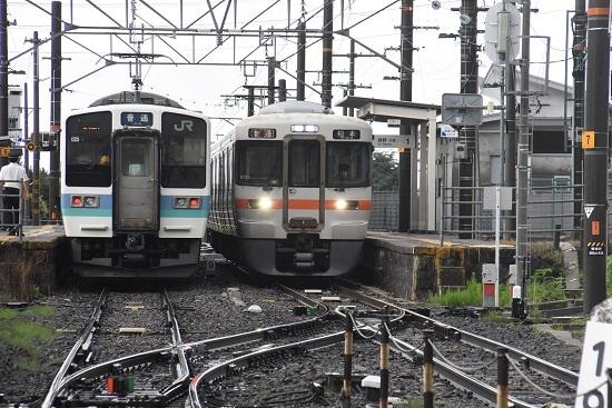 2020年7月4日撮影 羽場駅にて 210Mと213Mの交換 並び