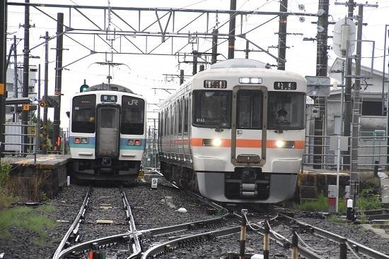 2020年7月4日撮影 羽場駅にて 210Mと213Mの交換 発車