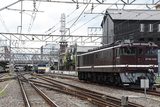 2020年7月4日撮影 甲府駅にてEF64-37号機とEF64-1052号機
