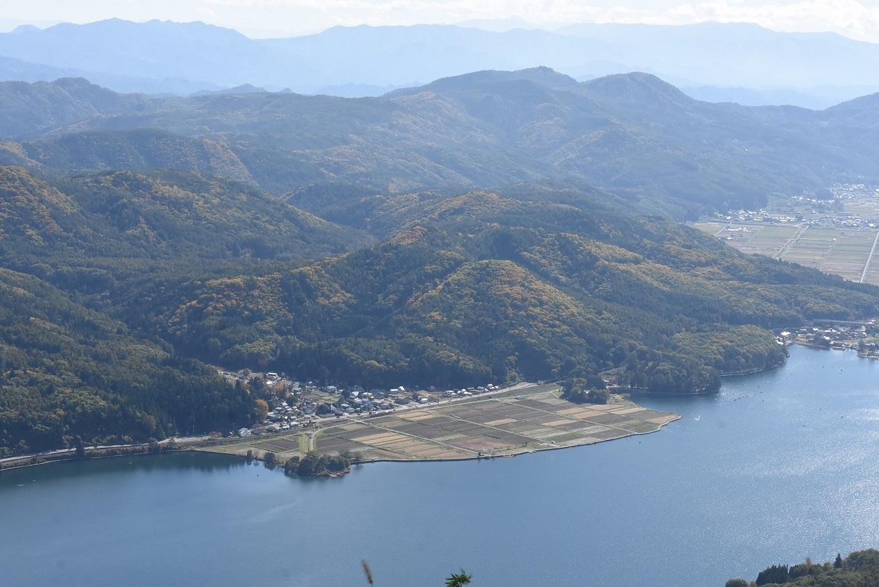 2020年10月24日撮影 木崎湖俯瞰 5333M E127系 稲尾駅
