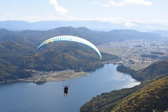 2020年10月24日撮影 木崎湖俯瞰 パラグライダー