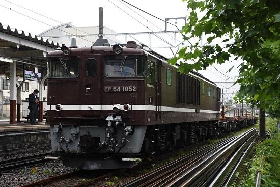 2020年7月8日撮影 岡谷駅にてEf64-1052号機が牽くチキ工臨