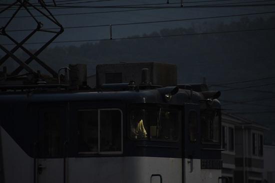2020年8月22日撮影 南松本にて西線貨物6089レ 運転室の室内灯