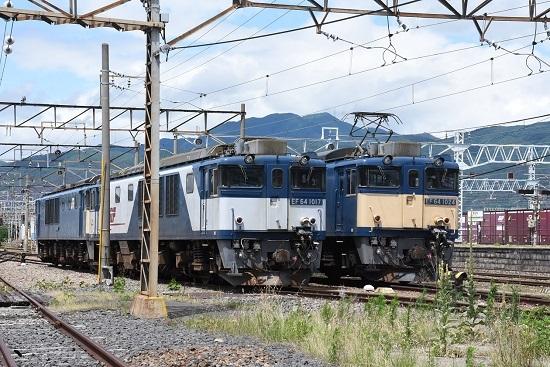 2020年7月12日撮影 南松本にてEF64-1017+1024号機の並び