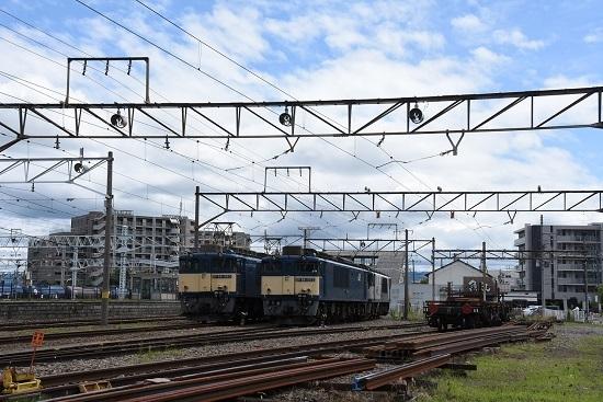 2020年7月12日撮影 南松本にてEF64-1022号機と1043号機の並び